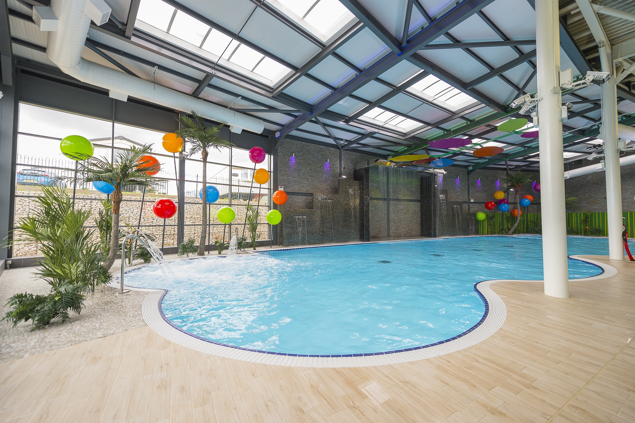 Cresta leisure swimming pools hot tubs for Pool design meindl