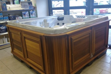 Showroom Hot Tub
